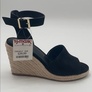 NWT Vince Camuto Leonita Espadrille Suede Wedges